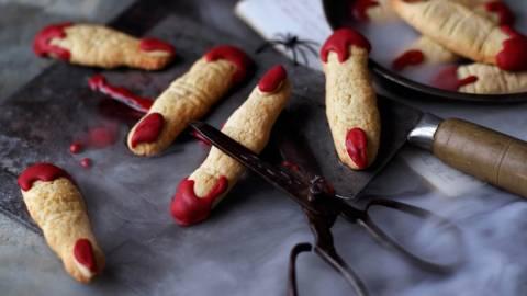 Дамски пръст (бадемови бисквити)