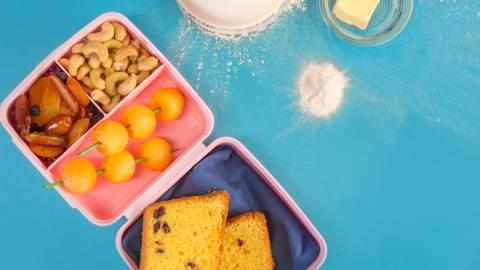 Кекс със сушени плодове