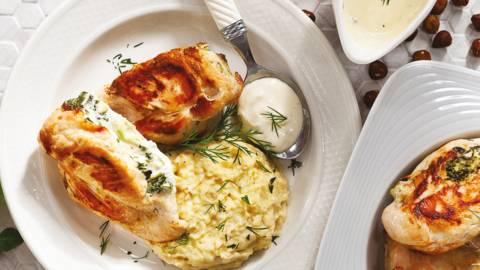 Пълнено пилешко филе с моцарела и спанак