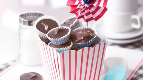 Шоколадови хапки с фъстъчено масло
