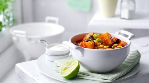 Вегетарианско чили със сладки картофи