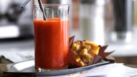Напитка от моркови и джинджифил с портокал