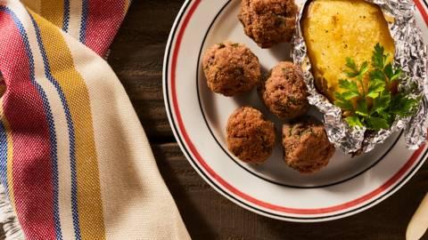 Миникюфтенца с печен картоф