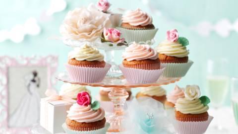 Сватбена къпкейк торта