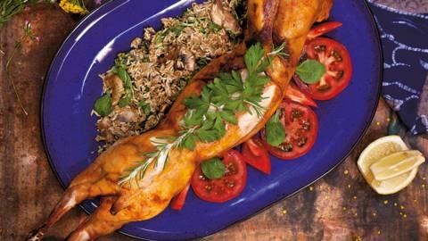 Пълнен заек с ориз, гъби и спанак
