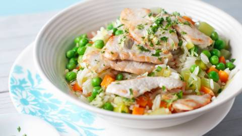 Зеленчуков ориз с пуешки шницелчета