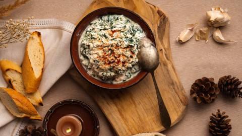 Разядка с извара, сирене и спанак