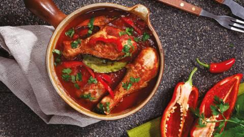 Пикантна яхния с пилешко месо