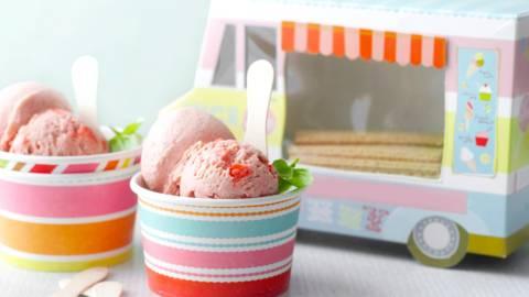 Ягодов сладолед с босилек