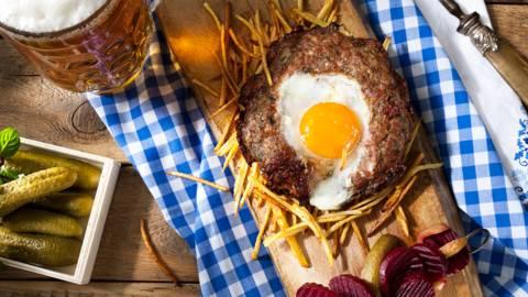 Гнездо от кайма с гарнитура от картофи