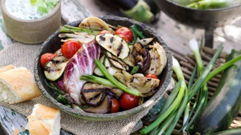 Мариновани летни зеленчуци с извара с билки