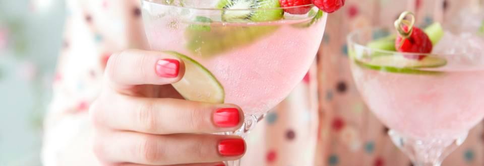 Безалкохолен коктейл от малини и лайм