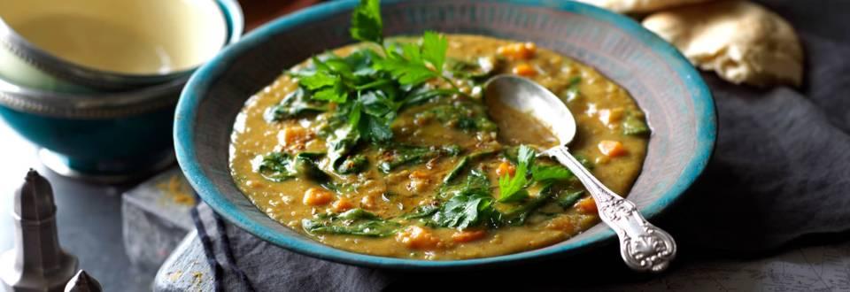 Арабска супа от леща със спанак