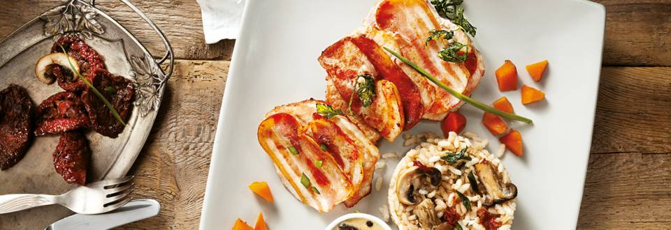 Свинско с бекон, ризото и сос от горски гъби