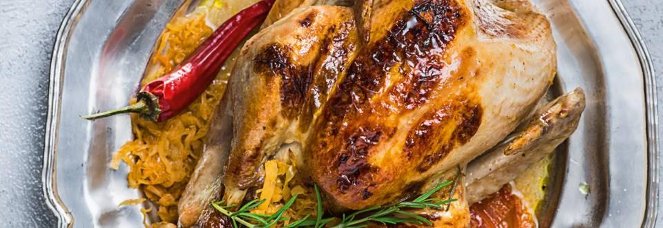 Коледна пуйка с кисело зеле