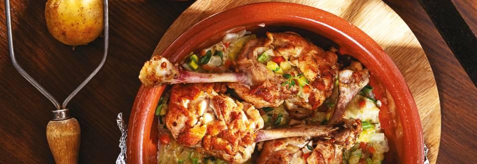 Пълнено пилешко бутче със синьо сирене и зеленчуци