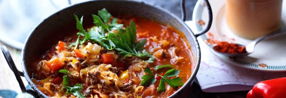 Супа от кисело зеле с чушки