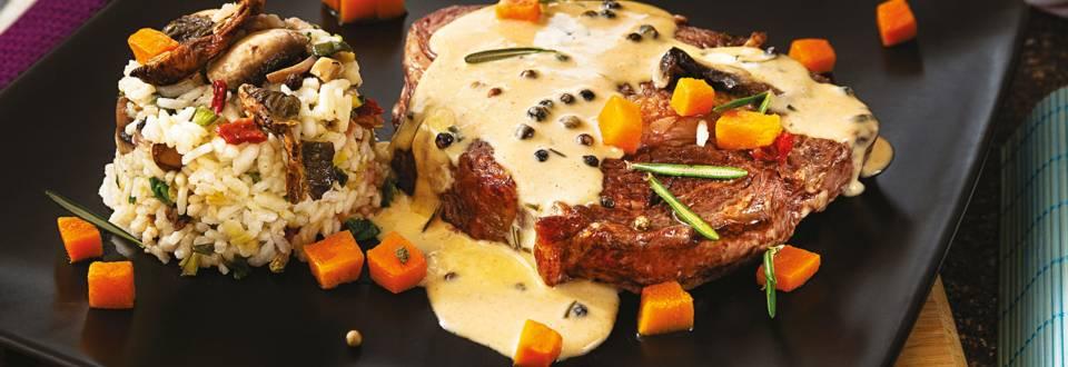 Рибай стек с ризото и пепър сос