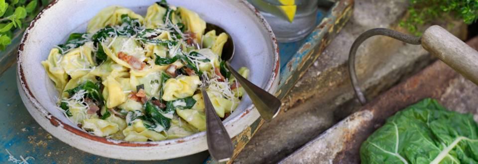 Тортелони със сос от манголд и бекон