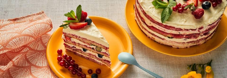 Торта с маскарпоне, малини и пресни ягоди и боровинки по рецепта на шеф Манчев