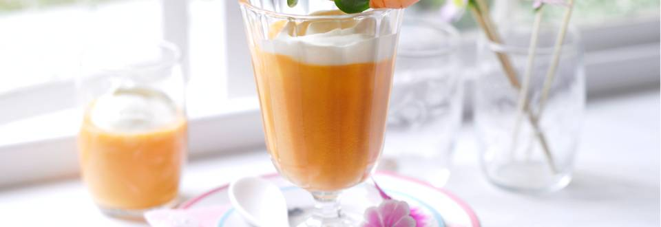 Морковено капучино с шишчета от скариди