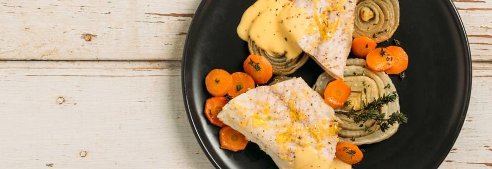 Филе от ципура на пара с печени зеленчуци и сос от пикантно шантили