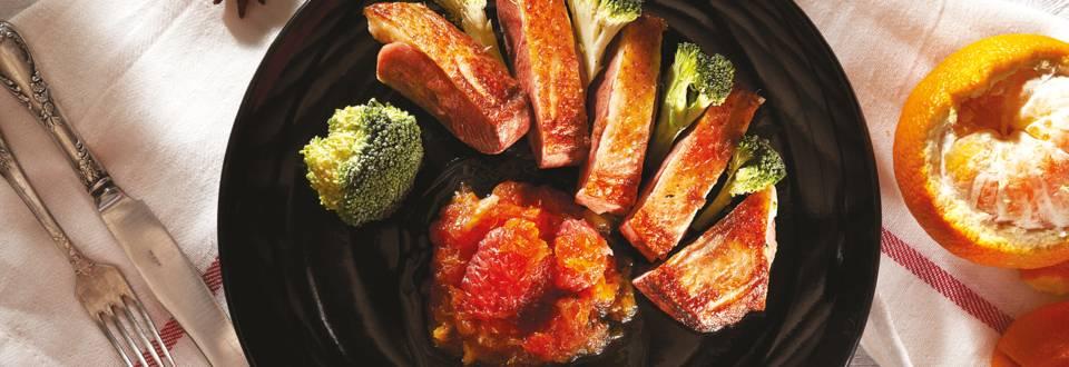 Патешко магре с цитрусов конфит и броколи на пара