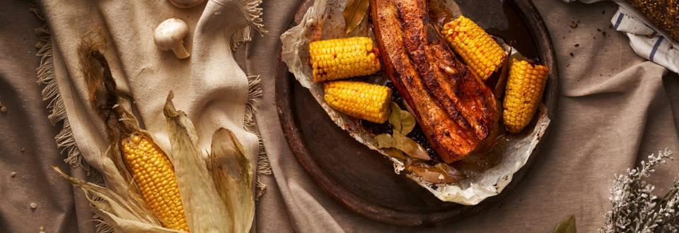 Свински гърди, запечени на фурна с млечна царевица