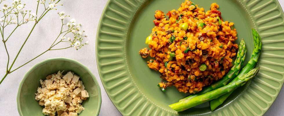 Ризото от червена леща, зеленчуци, кокосово масло и тофу – по рецепта на шеф Манчев